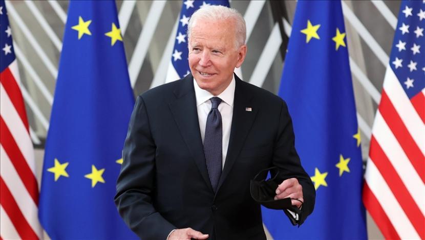 Presiden Amerika Serikat Joe Biden menandatangani undang-undang yang menetapkan hari perayaan emansipasi kulit hitam Amerika dari perbudakan sebagai hari libur federal.