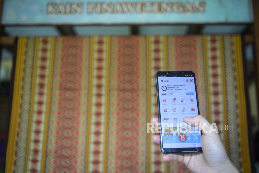 PT Bank Danamon Indonesia Tbk bekerja sama PT Fliptech Lentera Inspirasi Pertiwi atau Flip sebagai penyedia layanan transfer uang antarbank.