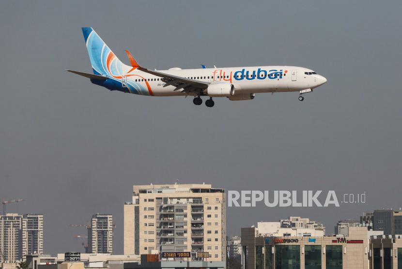 UEA Lanjutkan Penerbangan dari India dan Pakistan. Foto:     Sebuah pesawat flydubai perusahaan UEA mendarat di Bandara Internasional Ben Gurion, dekat Tel Aviv, Israel, 01 Desember 2020.