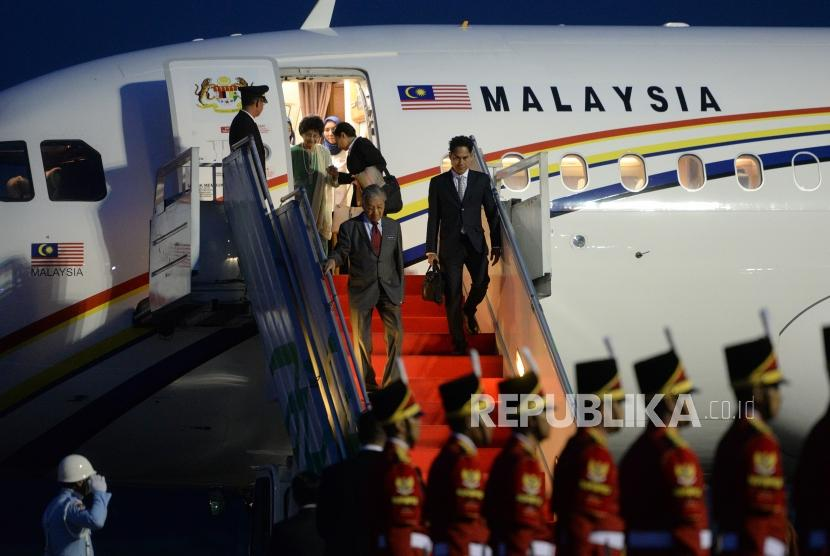 Kunjungan Kenegaraan PM Malaysia. PM Malaysia Mahathir Mohamad tiba di Bandara Halim Perdanakusumah, Jakarta, Kamis (28/6).