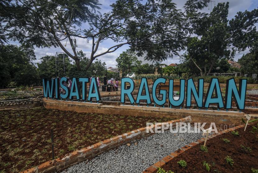 Kawasan Agro Edukasi Wisata Ragunan, Jakarta Selatan, Selasa (15/12), yang dijadikan Pemkot Jaksel sebagai lokasi lahan pertanian perkotaan (urban farming).