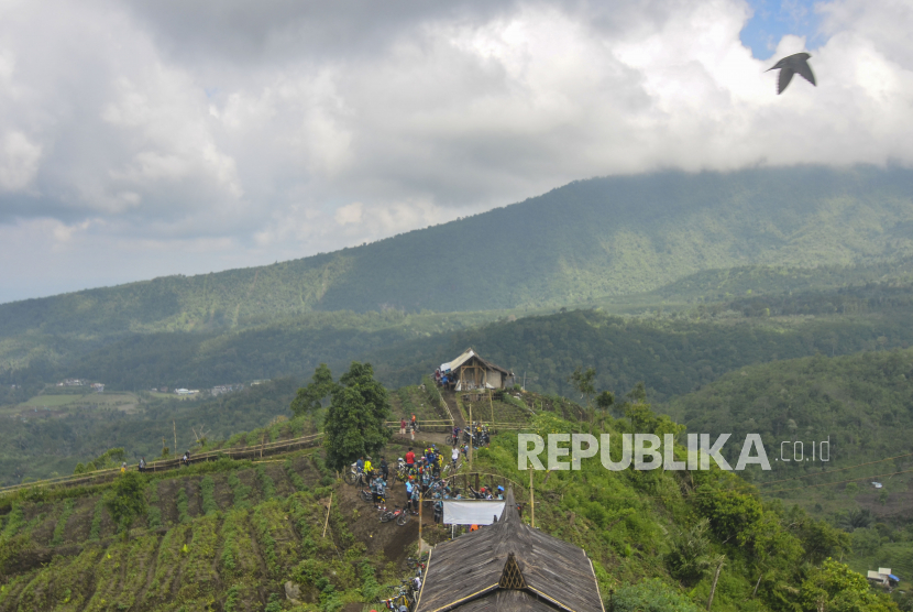 Pemandangan objek wisata alam kaki Gunung Galunggung, Kabupaten Tasikmalaya, (21/6/2020).