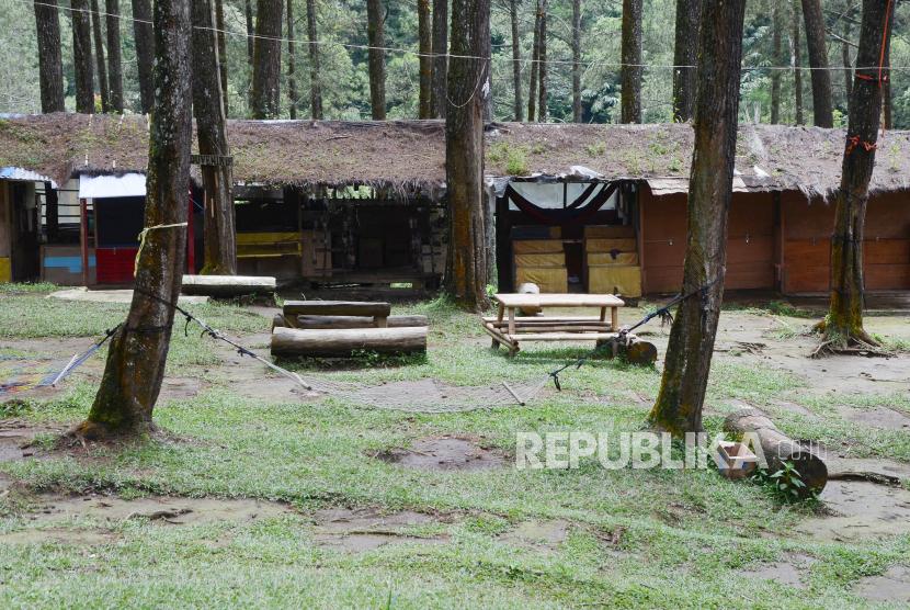 Salah satu destinasi wisata hutan pinus Pal 16 yang dikelola Perhutani. ilustrasi