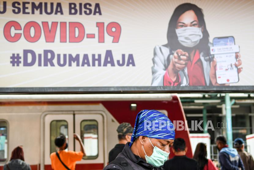 Penumpang KRL : Stasiun Depok dan Bogor Padat
