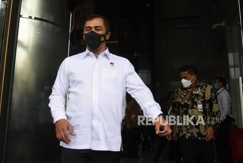 Kepala Badan Reserse Kriminal Polri Irjen Pol Agus Andrianto (kiri)