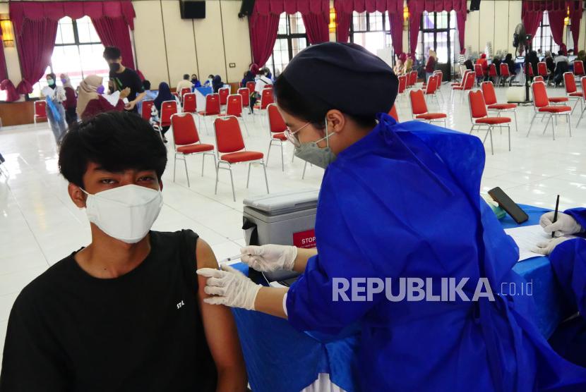Bandung Berusaha Mempercepat Penuntasan Vaksinasi Remaja (ilustrasi).