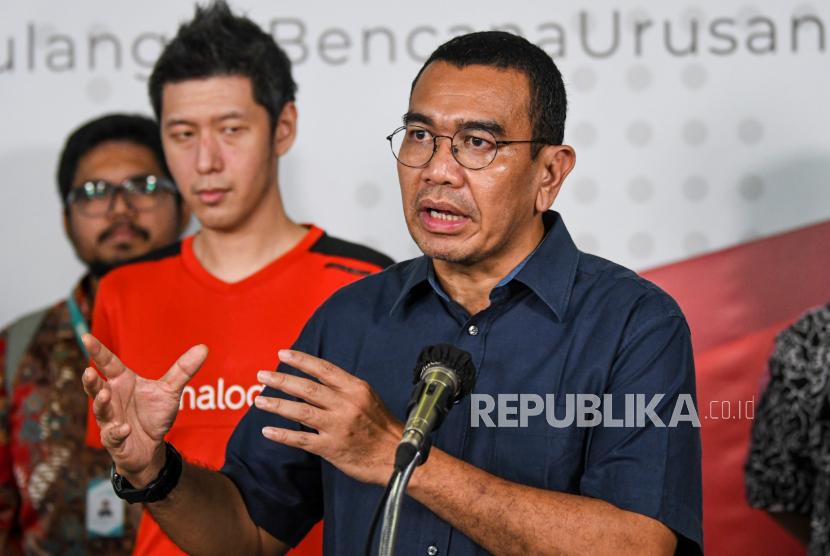 Staf Khusus Menteri BUMN Arya Mahendra Sinulingga (kanan). Pelaku UMKM di Kabupaten Belitung, Provinsi Kepulauan Bangka Belitung, diajak untuk memanfaatkan fasilitas program yang dimiliki oleh BUMN guna mengembagkan usahanya di tengah situasi pandemi COVID-19.