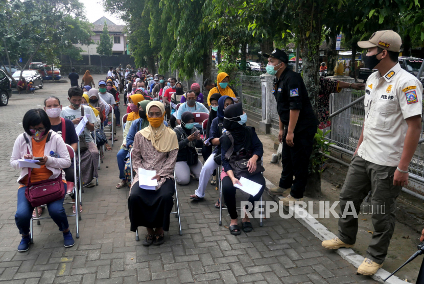 200 Pedagang Pasar Mojosari Terima Vaksinasi Covid-19 (ilustrasi).
