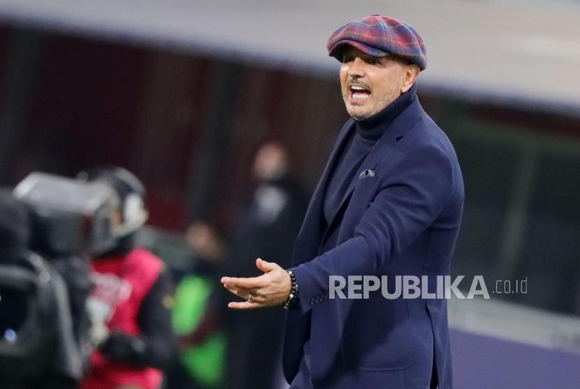 Pelatih Bologna, Sinisa Mihajlovic.