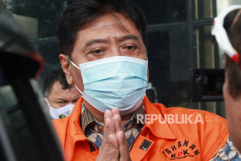 Terdakwa Direktur PT Dua Putera Perkasa Pratama (DPPP) Suharjito berjalan usai menjalani pemeriksaan di Gedung KPK, Jakarta, Rabu (24/3/2021). Terdakwa Suharjito diperiksa sebagai saksi dalam kasus dugaan suap terkait perizinan ekspor benih lobster.