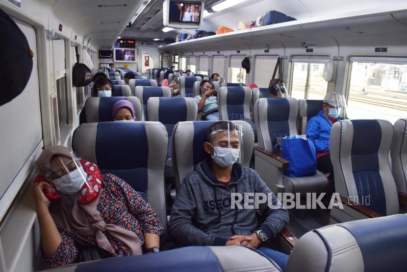 6 KA Jarak Jauh Khusus Beroperasi di Cirebon Selama 6-17 Mei (ilustrasi).