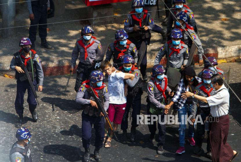 Malaysia: ASEAN Harus Memainkan Peran Besar Soal Myanmar