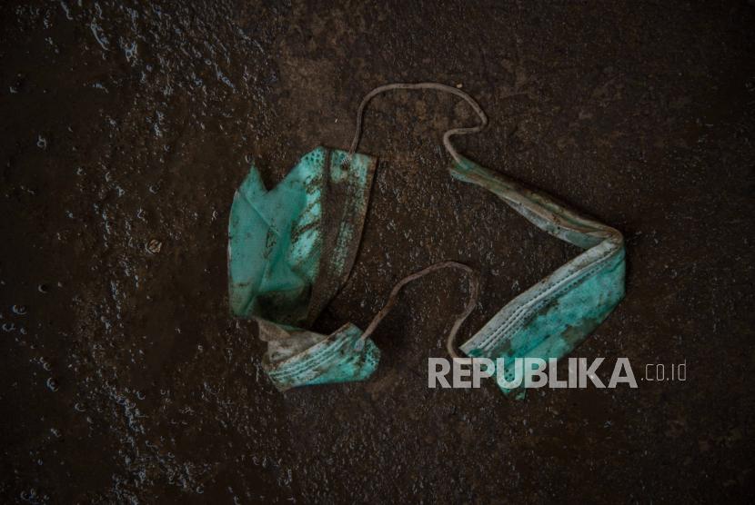 Limbah masker (ilustrasi)