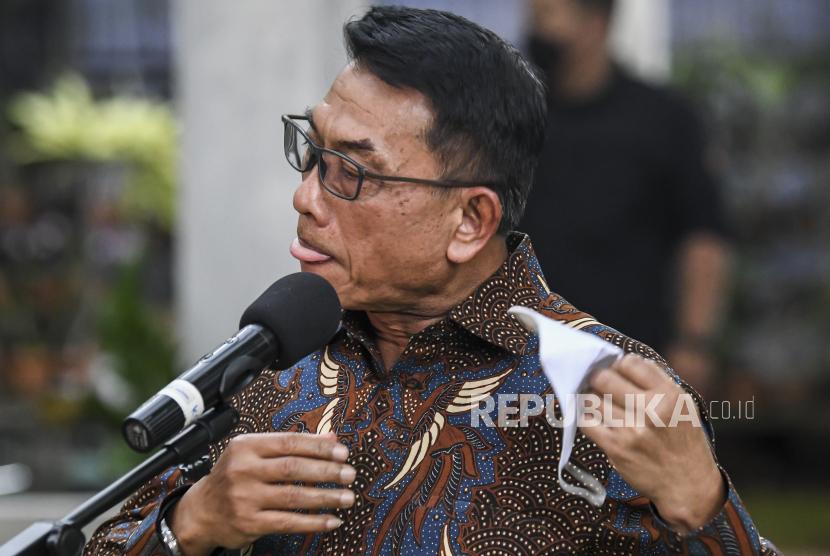 Kepala Staf Presiden (KSP) Jenderal (Purn) Moeldoko membantah ingin mengambil alih kepemimpinan Partai Demokrat saat konferensi pers di kediamannya kawasan Menteng, Jakarta, Rabu (3/2/2021).
