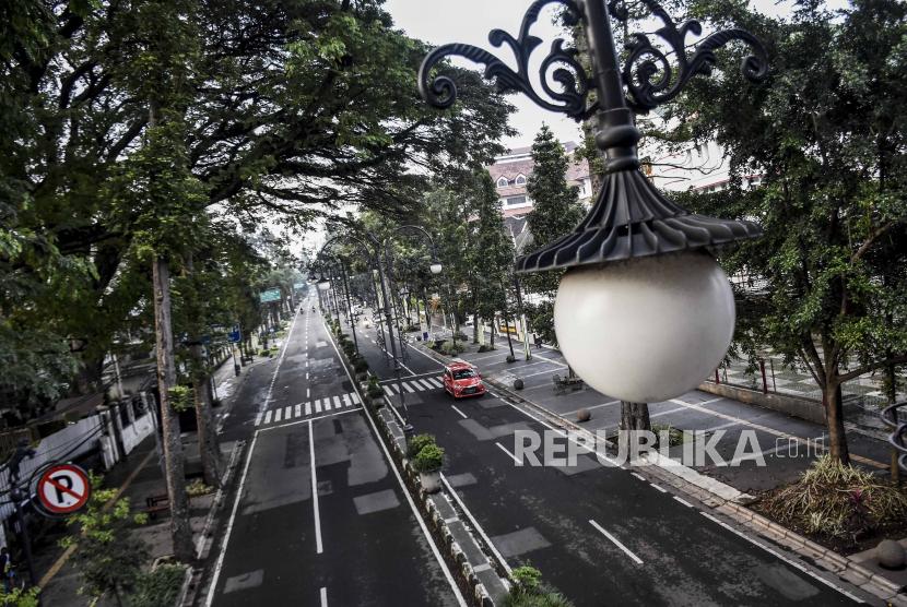 Psbb Kota Bandung Mulai Berlaku Tengah Malam Ini Republika Online