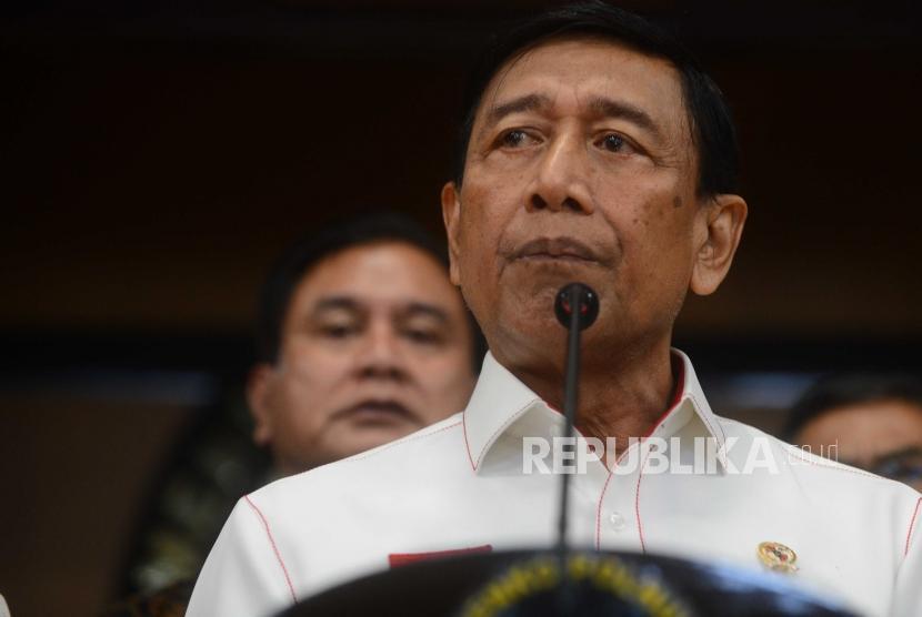 Menteri Koordinator Politik, Hukum, dan Keamanan (Menkopolhukam) Wiranto