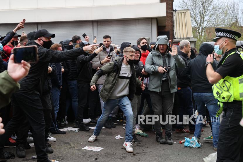 Satu Pria Diamankan Usai Demo Fan MU