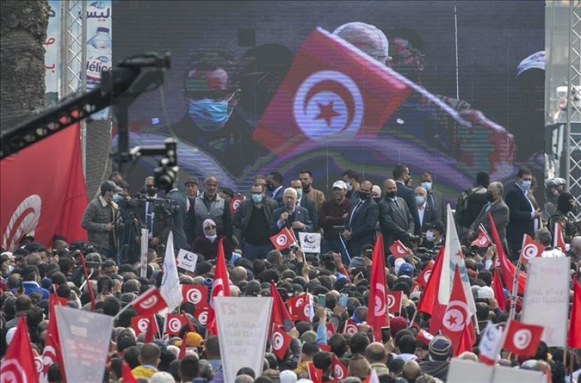 Gerakan Ennahda Tunisia pada Kamis (5/8) menyerukan dialog nasional untuk reformasi politik dan ekonomi di negara itu.