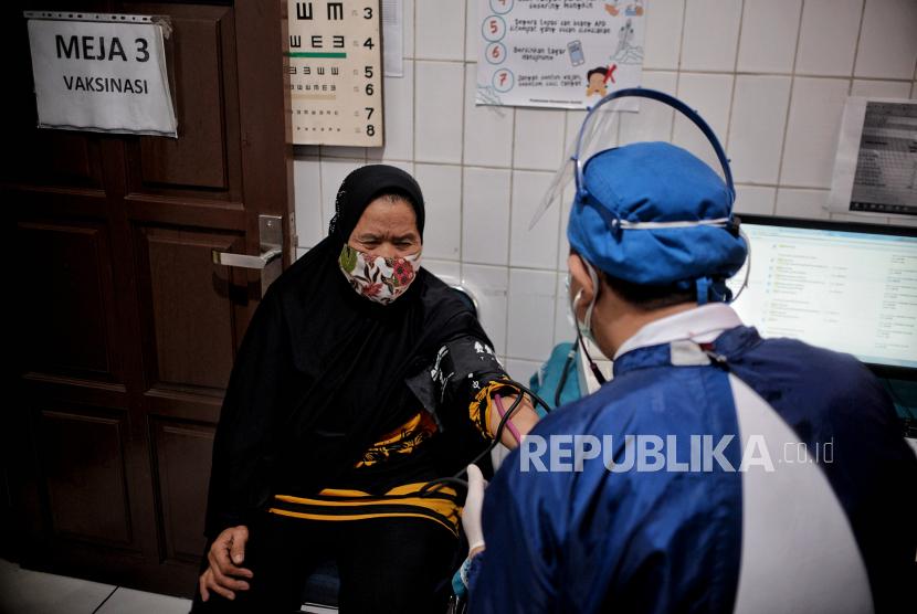 Vaksinasi Lansia di Banyumas akan Dilaksanakan Malam Hari (ilustrasi).