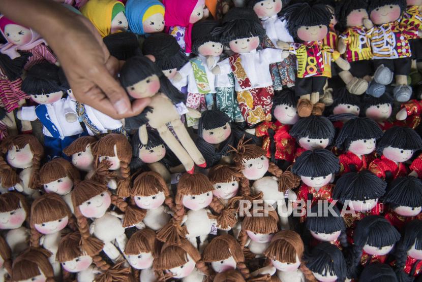 Pandemi Covid-19 membuat semakin banyak pelaku Usaha Menengah Kecil Mikro (UMKM) di Kota Bandung yang berinovasi saat memasarkan bisnisnya. (ilustrasi)