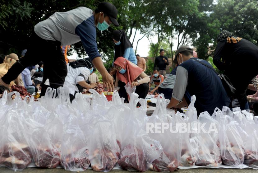 Ponpes Assalaam Bagikan Daging Qurban ke 4 Wilayah Binaan (ilustrasi).