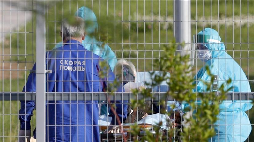 Wali Kota Moskow pada Jumat (18/6) memperpanjang pembatasan virus corona selama 10 hari lagi untuk mencegah agar tidak terjadi situasi yang memburuk di ibu kota Rusia itu.