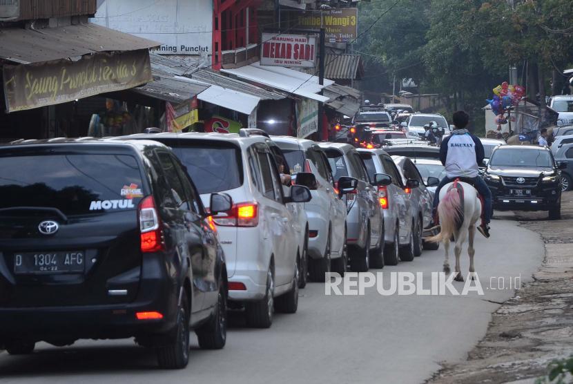 Bandung Masih Buka Tutup Jalan Untuk Cegah Covid 19 Republika Online