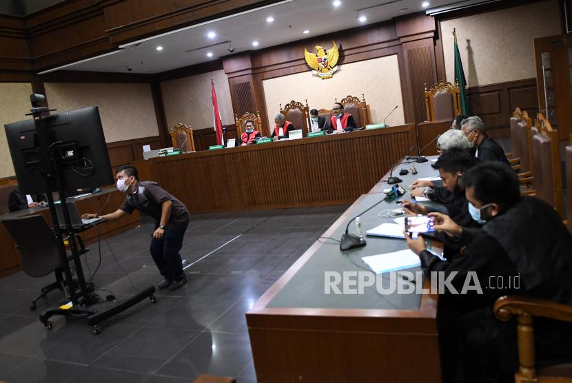 KPK Tuntut 6 Tahun Penjara Bupati Bengkayang