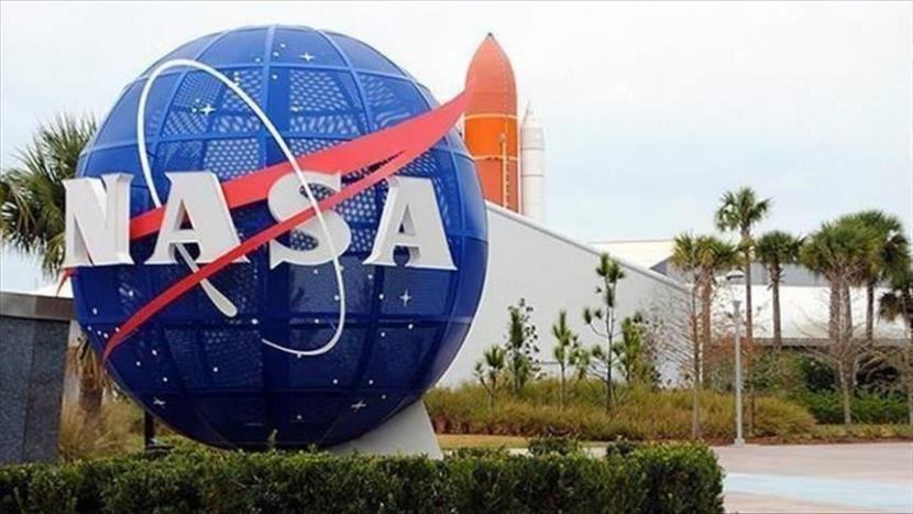 NASA akan Daratkan Perempuan Pertama di Bulan pada