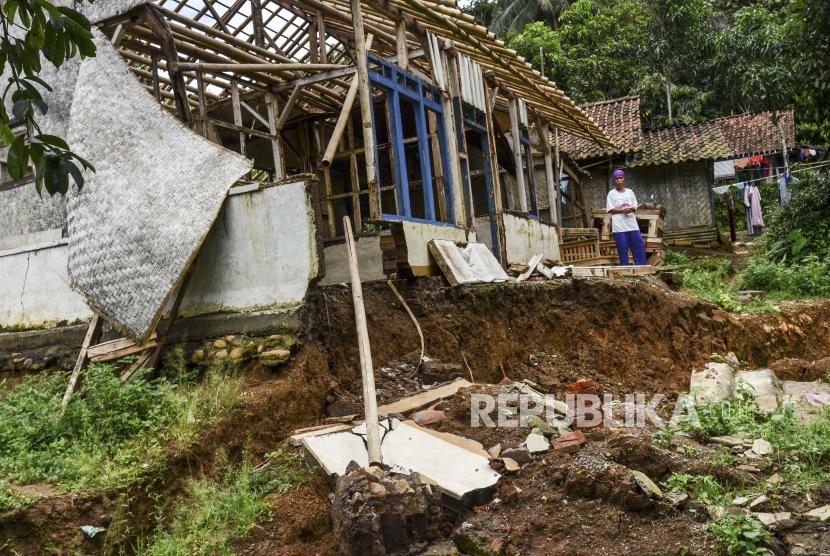 Pergerakan tanah di Tasikmalaya, Jawa Barat