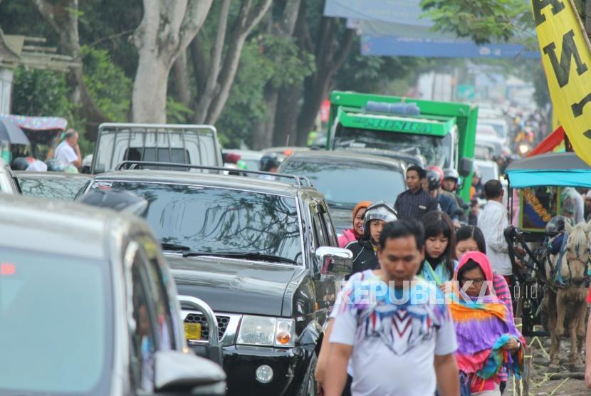 Kemacetan lalu lintas di Bandung.