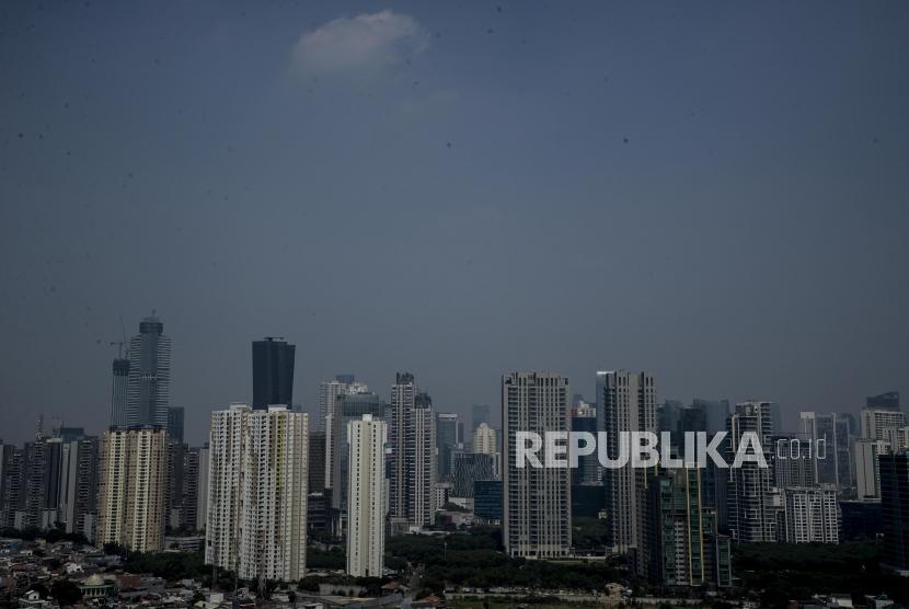 Suasana gedung-gedung bertingkat di Jakarta (ilustrasi). Persentase capaian reduksi aksi mitigasi gedung ramah lingkungan (green building) untuk mengurangi emisi gas rumah kaca (GRK) di DKI Jakarta pada 2020 baru mencapai 0,93 persen