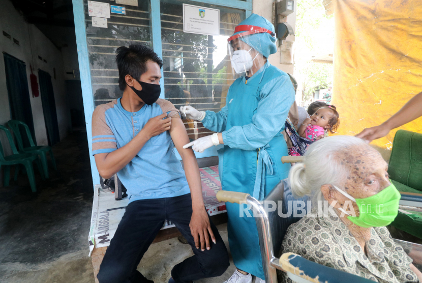 Pemkot Surakarta akan Lakukan Vaksinasi dari Rumah ke Rumah (ilustrasi).
