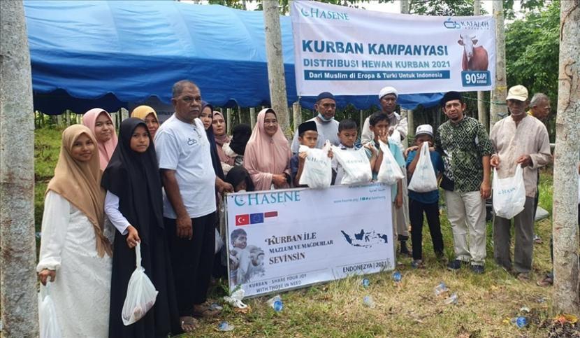 Komunitas masyarakat muslim Eropa dan Turki, Hasene, sumbang hewan kurban ke Aceh.