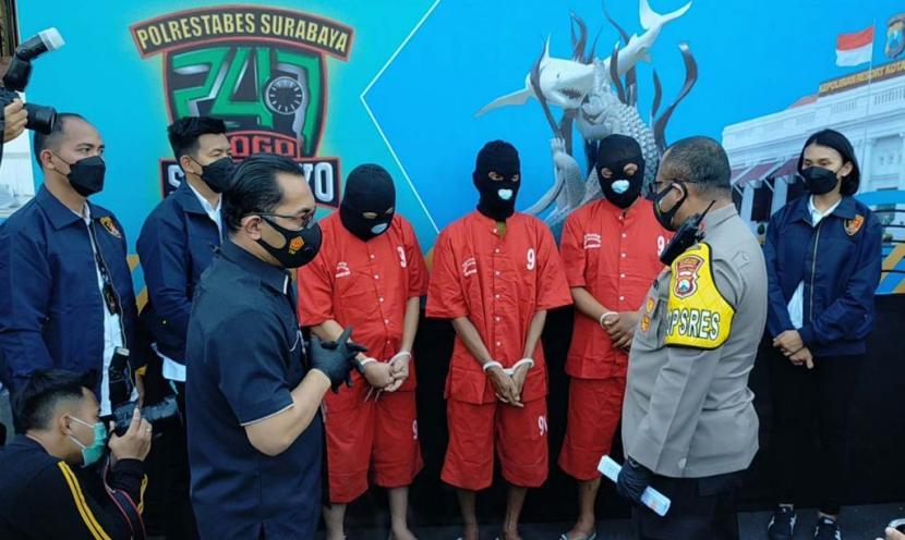 Mafia Tanah Surabaya