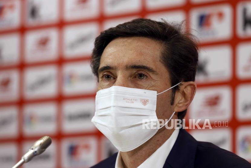 Marcelino Garcia Toral dari Spanyol menghadiri konferensi pers selama presentasinya sebagai pelatih kepala baru Athletic Club de Bilbao, di Bilbao, Basque Country, Spanyol, 05 Januari 2021. Toral menandatangani kontrak barunya hingga Juni 2022