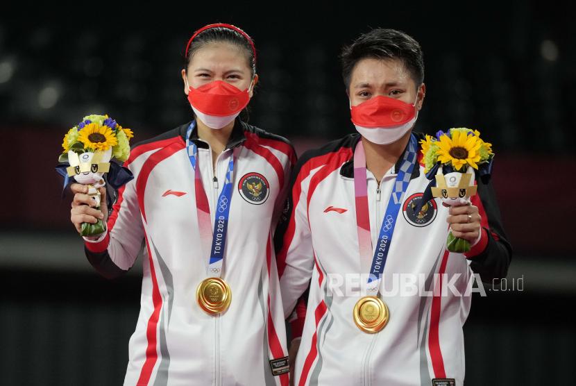 Greysia Polii  (kiri) dan Apriyani Rahayu, peraih emas ganda putri Olimpiade Tokyo 2020.