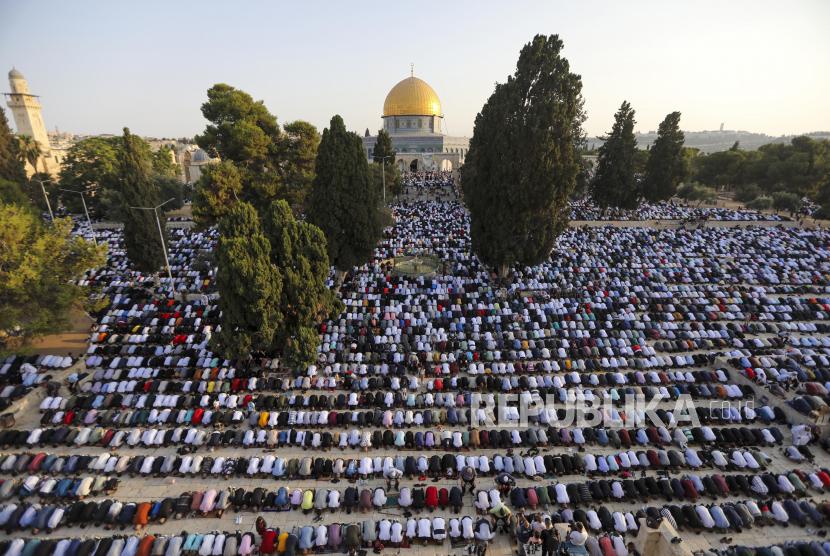 Masjid Al Aqsa masjid di muka bumi tertua kedua yang dibangun di muka bumi. Ilusrasi Kompleks Al Aqsa