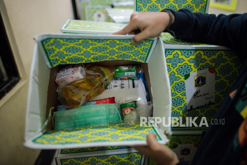 Pemprov Dki Kumpulkan Ratusan Ribu Paket Bantuan Republika Online