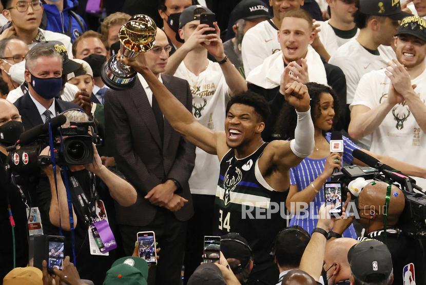Antetokounmpo Jadi Trio Bersaudara Pertama Raih Gelar NBA ...