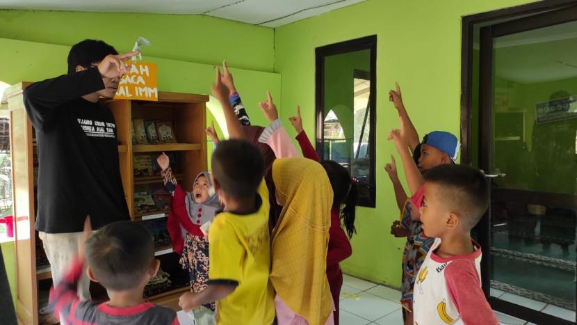 Pendidikan: Misi Kemanusiaan Dirikan Rumah Baca Anak di Karawang