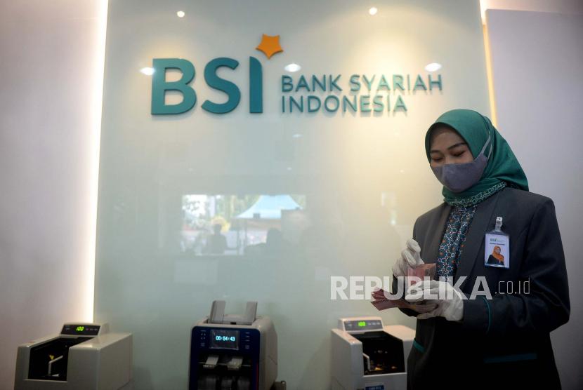 Bank Syariah Indonesia melaksanakan akad massal 1.500 nasabah Program BSI KPR Sejahtera di 17 Provinsi serentak secara online.
