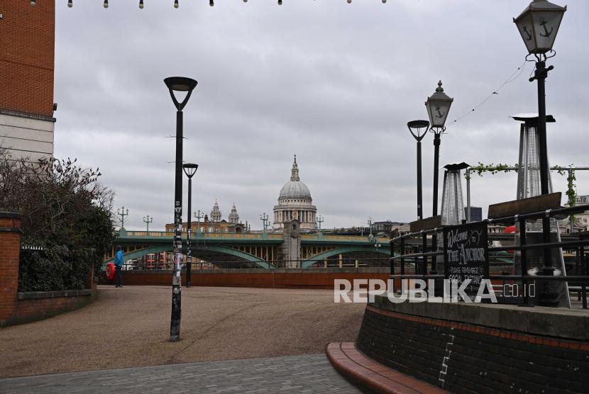 Gambaran umum Southbank di London, Inggris, 05 Januari 2021. Inggris sedang mempertimbangkan untuk melonggarkan pembatasan perjalanan