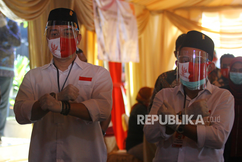 Wali Kota dan Wakil Wali Kota Surabaya, Eri Cahyadi (kiri) dan Armuji (kanan)