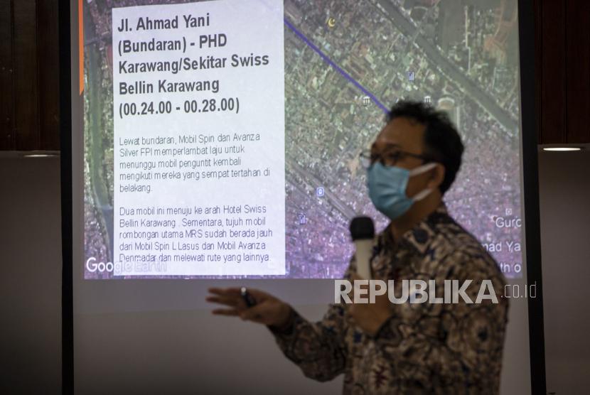 Komisioner Komnas HAM Beka Ulung Hapsara menyampaikan paparan tim penyelidikan Komnas HAM atas peristiwa Karawang di Jakarta, Jumat (8/1/2021). Komnas HAM menyimpulkan peristiwa tewasnya empat orang Laskar FPI merupakan kategori pelanggaran HAM serta merekomendasikan kasus ini dilanjutkan ke penegakan hukum dengan mekanisme pengadilan pidana, melakukan penegakan hukum terhadap orang-orang yang terdapat dalam dua mobil dengan nomor polisi B 1739 PWQ dan B 1278 KJD, mengusut kepemilikan senjata api yang diduga digunakan Laskar FPI dan meminta proses penegakan hukum harus akuntabel, objektif dan transparan sesuai dengan standar HAM.