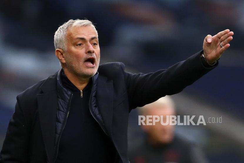 Mourinho Tuding VAR Kerap Buat Kesalahan