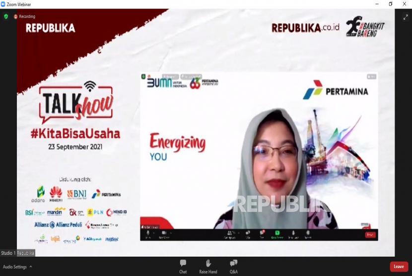 VP Corporate Communications PT. Pertamina (Persero) Fajriyah Usman menjadi narasumber dalam talkshow online di Jakarta, Kamis (23/9). Talkshow yang diselenggarakan oleh Republika ini mengangkat tema KitaBisaUsaha.Prayogi/Republika.