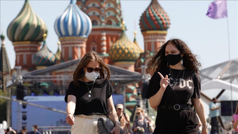 Rusia akan memulai uji coba vaksin Sputnik V untuk kaum remaja pada bulan Juli - Anadolu Agency