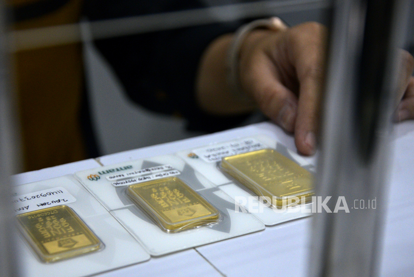 Hukum Membeli Emas Lalu Titip Jual