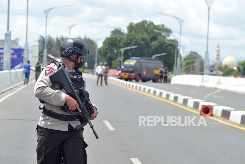 Satuan Gegana Brimob Polda Aceh Amankan Benda Diduga Bom Republika Online